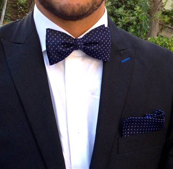 Set model bow tie and pocket square
