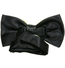 Reverse black and pistachio green bow tie